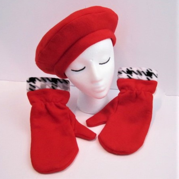 a7f2c580dfb41 Tam Beret Hat Mitts Red Houndstooth NEW handmade